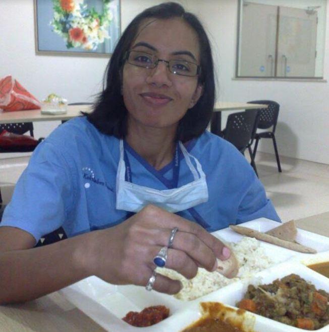 shirdi, महिला डॉक्टर सात वर्षांपासून कोमात, स्ट्रेचरवरुन साईंच्या दर्शनाला